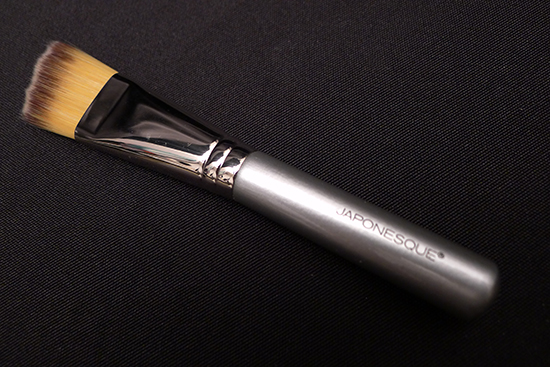 Japonesque Angled Foundation Brush