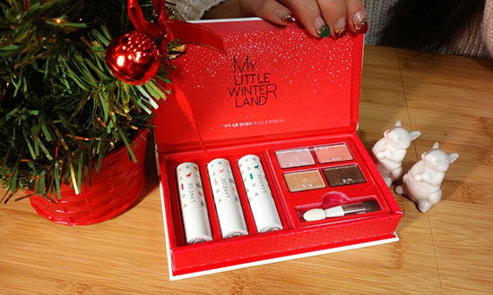 Laneige Winterland Magic Makeup Collection (and a glimpse of Alice's adorable Christmas nails)