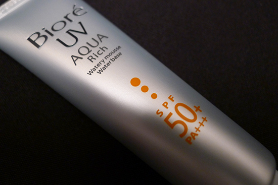 Biore UV Aqua Rich Watery Mousse SPF 50 / PA+++